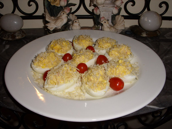 Oeufs farcis au thon simple bon pas cher for Entree simple pas cher