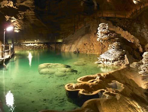 Les grottes  Tr9ojqpb